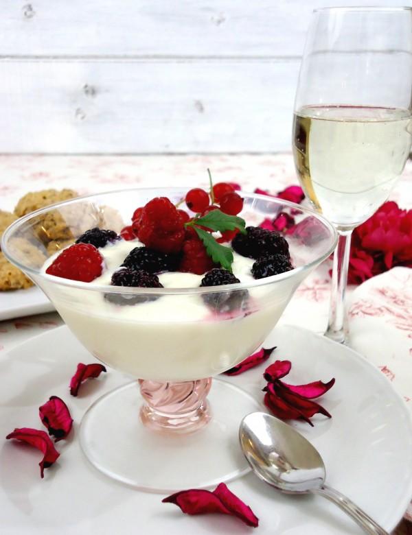 Coppa cremosa al Cioccolato bianco e Frutti di Bosco 2