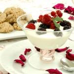 Coppa cremosa al Cioccolato bianco e Frutti di Bosco - A Tavola