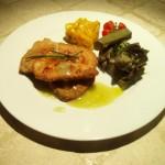 Pollo in crosta aromatica con salsa calda al limone