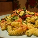 Fusilli con Pesto di Menta e Mandorle, Zucchine e Straccetti di Parma