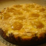Frolla Saracena con crema alla Vaniglia, Susine dolci e Mandorle