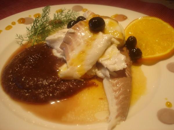 Orata all'arancia e olive con crema di Tropea