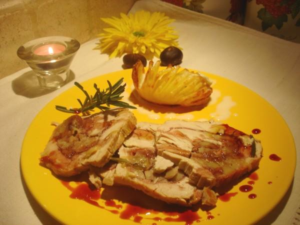 Rollé di Tacchino allo Speck, Castagne e Brie con riduzione di Porto
