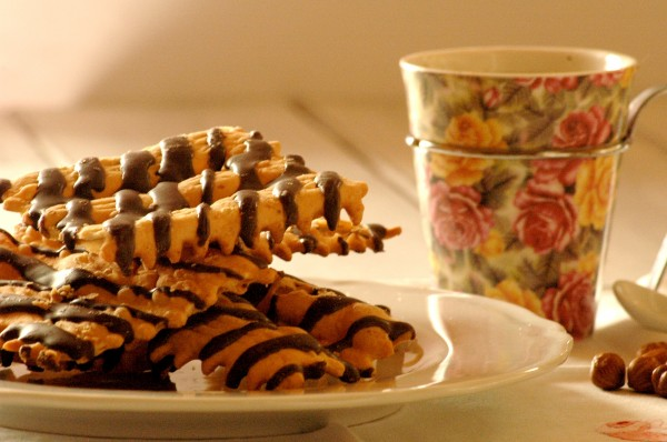La Merenda dei Golosi - Frappe al cioccolato e cioccolato bianco in tazza 2