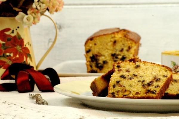 Cake al Mais e Cocco con Mirtilli rossi, Cioccolato e Pistacchi